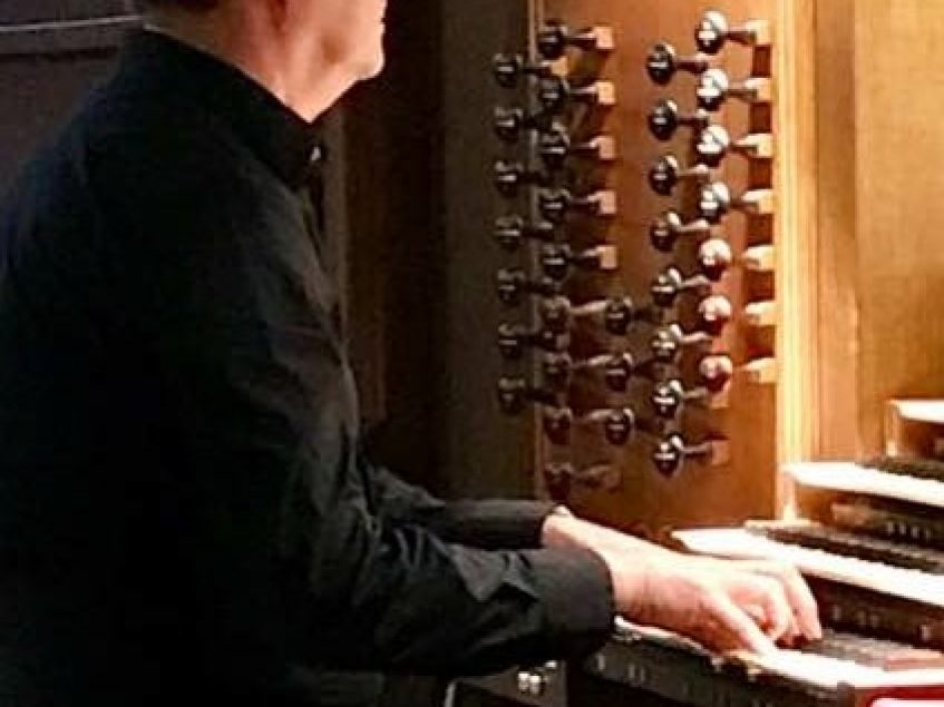 Pipes Alive! – James R. Barry, organist