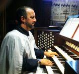 scott-at-organ