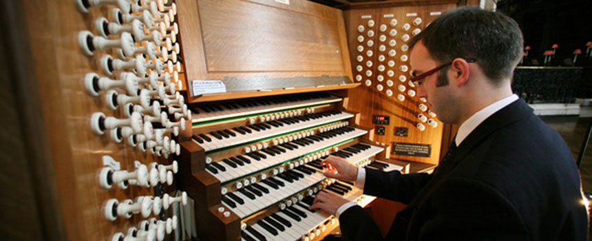 Celebrity Organ Concert with Simon Johnson from St. Paul's, London